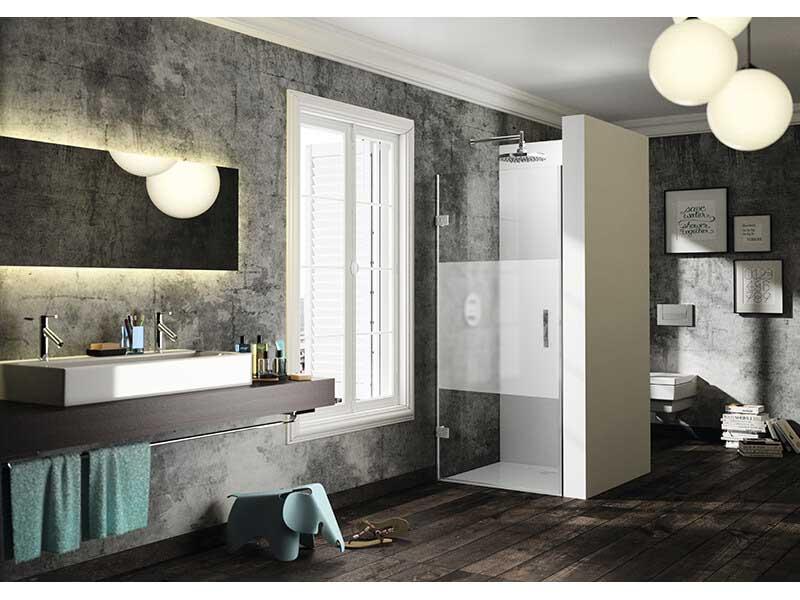 Dveře sprchové SOLVA Otvírací dveře, čiré sklo s úpravou Antiplaque, barva rámu: stříbrná vysoký lesk