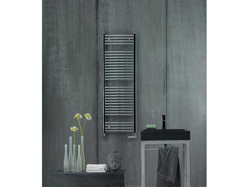 Koupelnový radiátor AURA Rovný radiátor, boční připojení, barva chrom