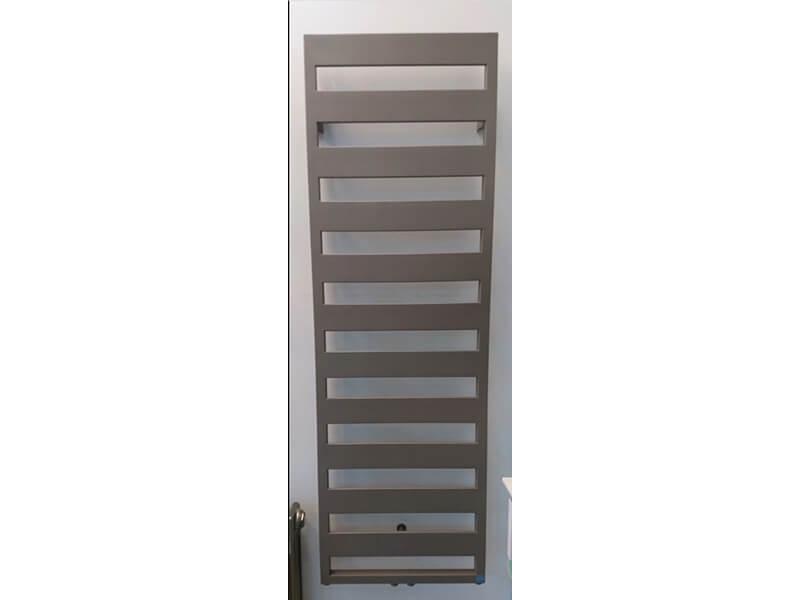 Koupelnový radiátor CASTEO Rovný radiátor, středové připojení, Barva terra ethno